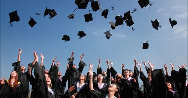 10 steps to financial freedom post college
