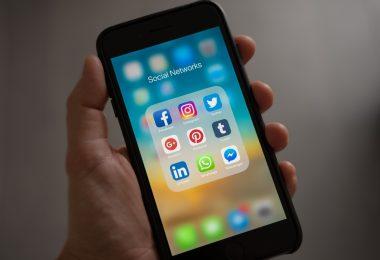 leverage social media in your scholarship seaarch