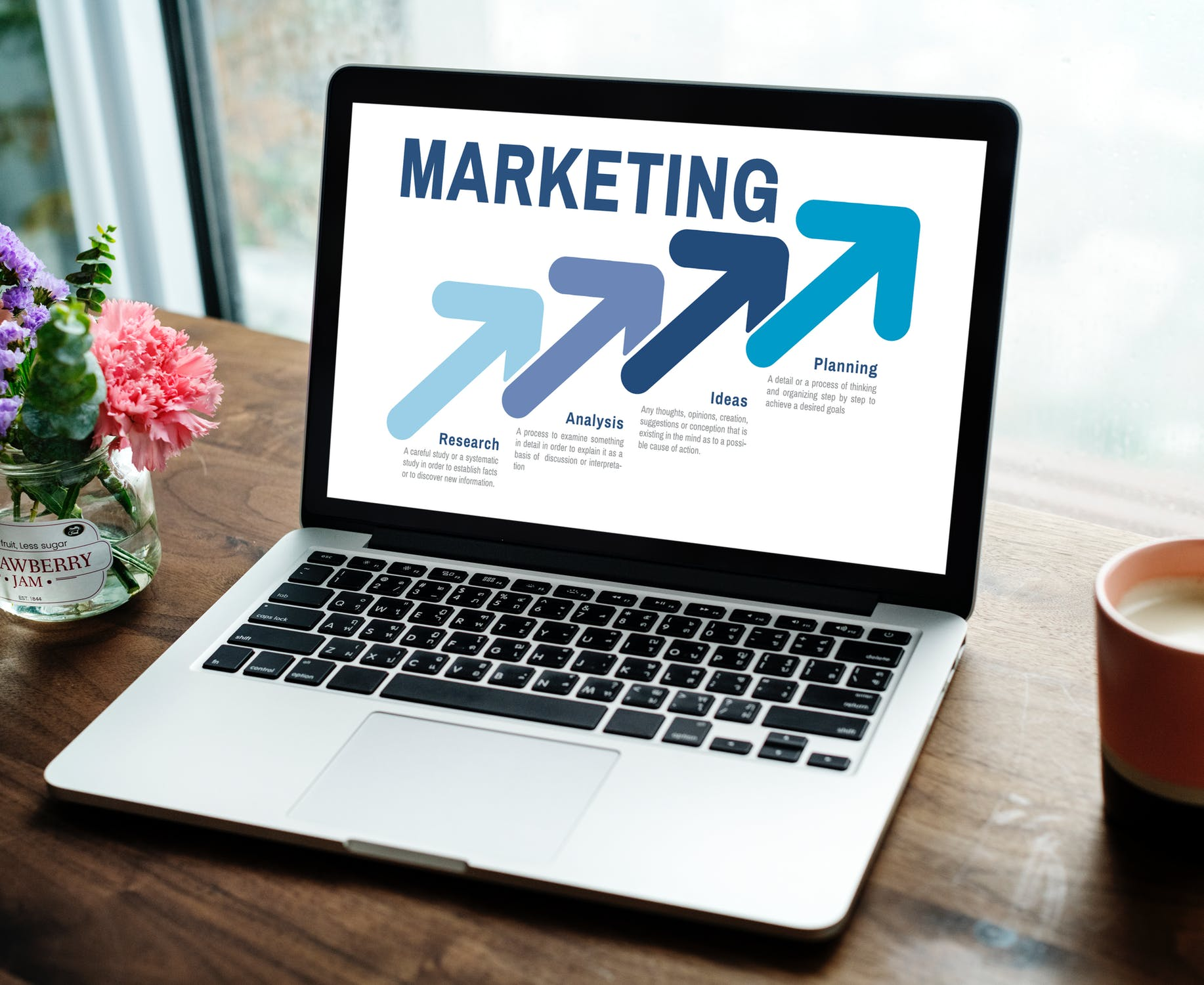 5 things you should know before starting a career in marketing