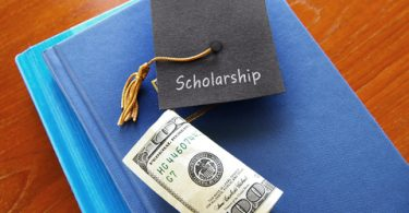 9 scholarship application tips for high school students